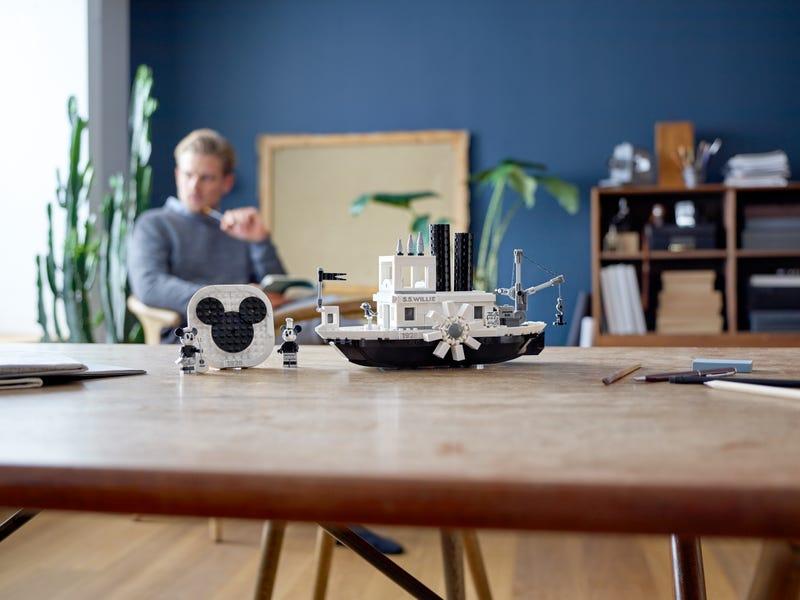 21317 El Botero Willie Lego Ideas contruccion